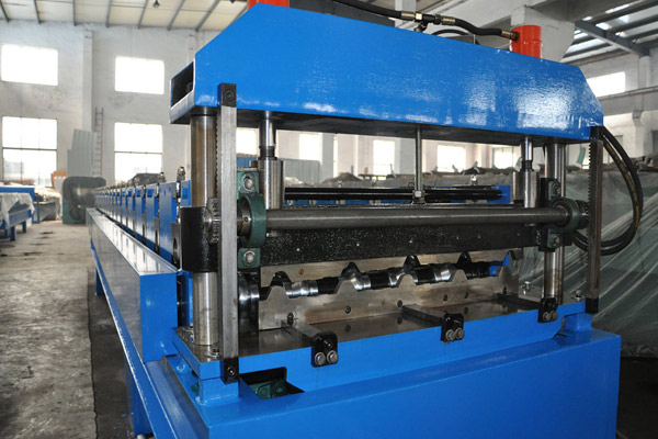 trapezoidal-roof-sheet-roll-forming-machine-1.jpg
