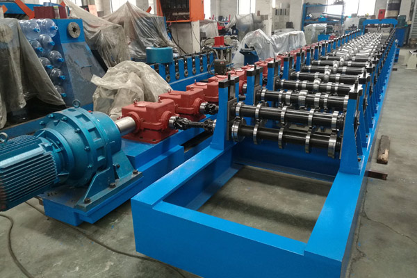 Guardrail/Crash Barrier Roll Forming Machine