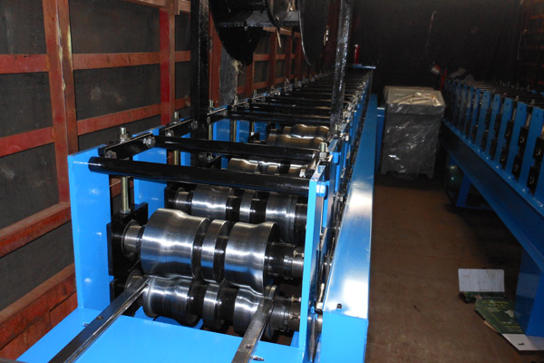 gutter-roll-forming-machine-3.jpg