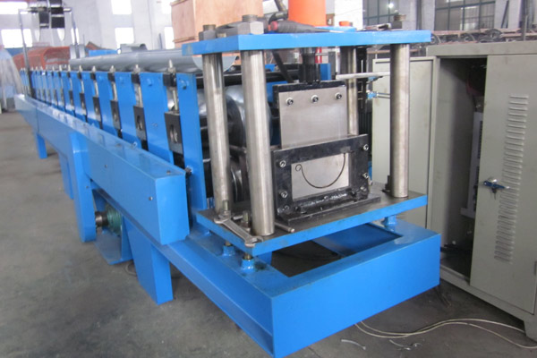 gutter-roll-forming-machine-4.jpg