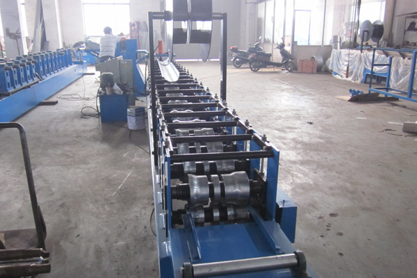 gutter-roll-forming-machine-9.jpg