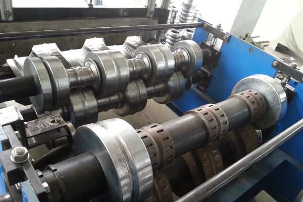 steel-deck-roll-forming-machine-4_1512109107.jpg